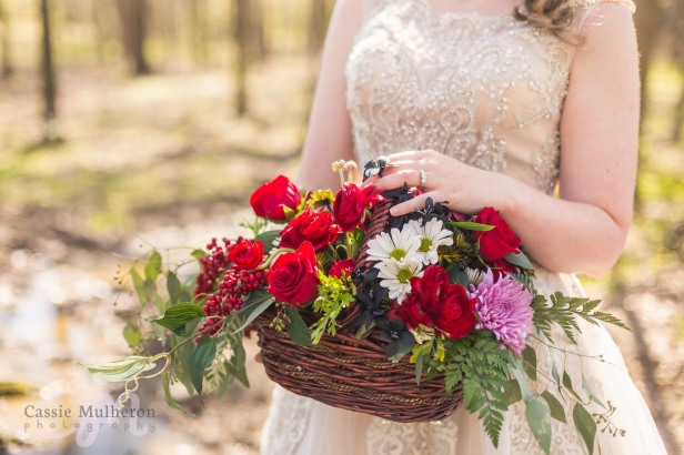 Moon-Valley-Farm-Sleepy-Hollow-Styled-Wedding-Shoot-Cassie-Mulheron-Photography-logo-029.jpg