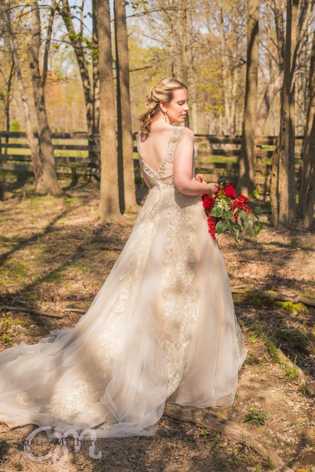 Moon-Valley-Farm-Sleepy-Hollow-Styled-Wedding-Shoot-Cassie-Mulheron-Photography-logo-035.jpg